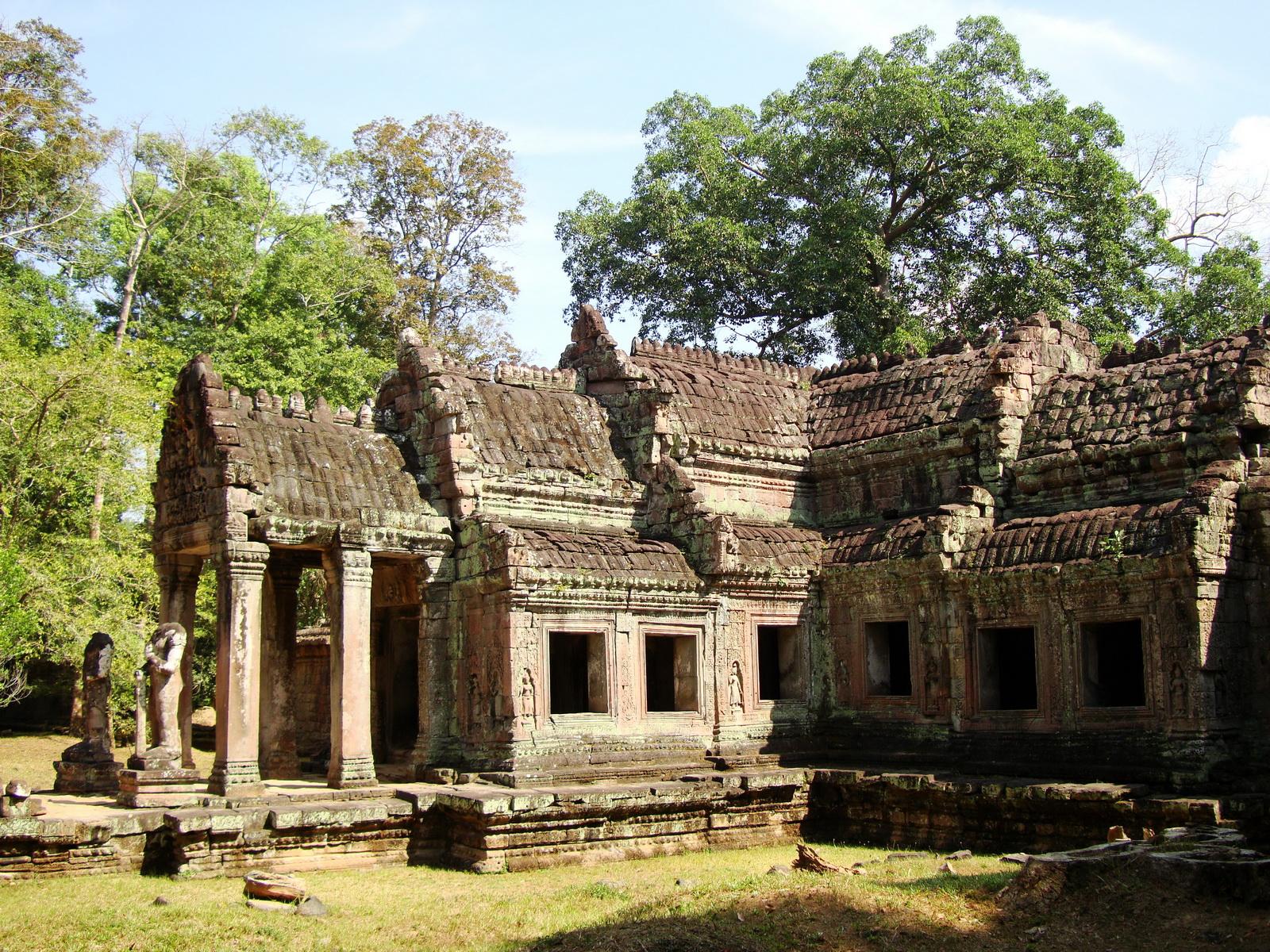 Preah Khan West entrance gopura headless guardians Angkor Thom 07