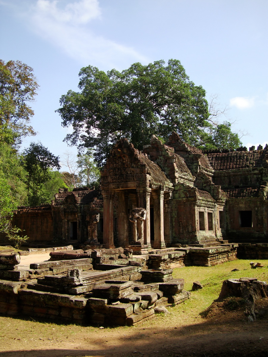 Preah Khan West entrance gopura to Vishnu temple Angkor Thom 02