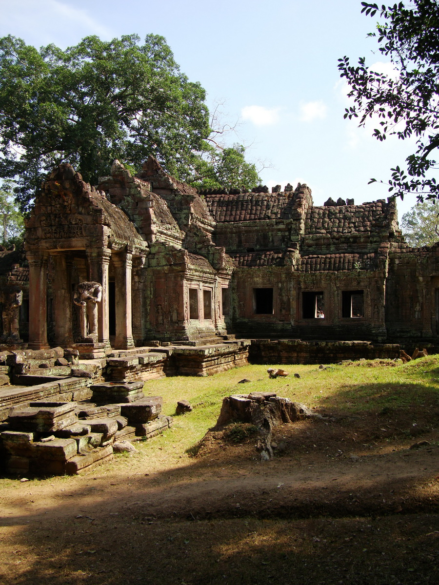 Preah Khan West entrance gopura to Vishnu temple Angkor Thom 03