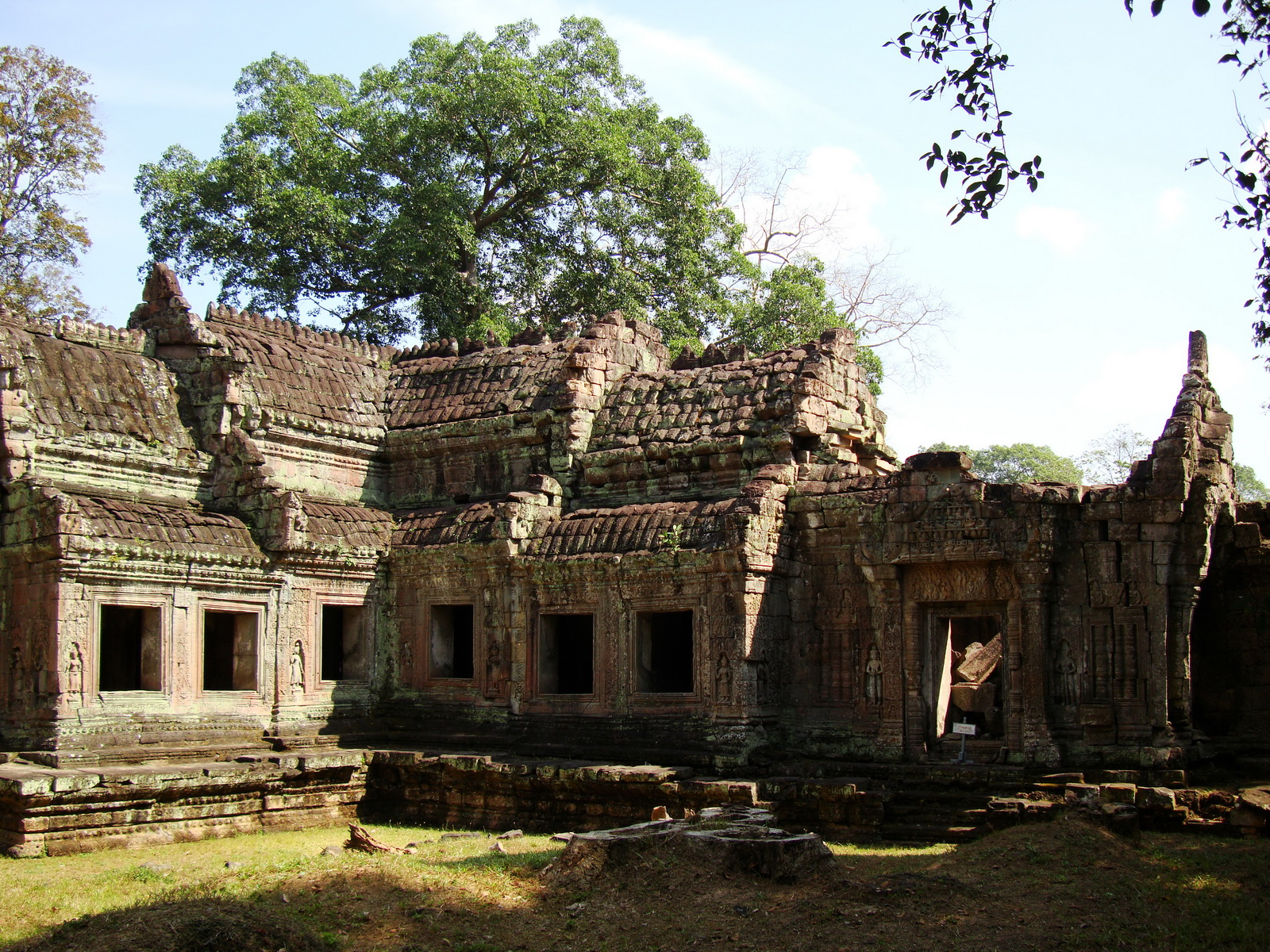 Preah Khan West entrance gopura to Vishnu temple Angkor Thom 05