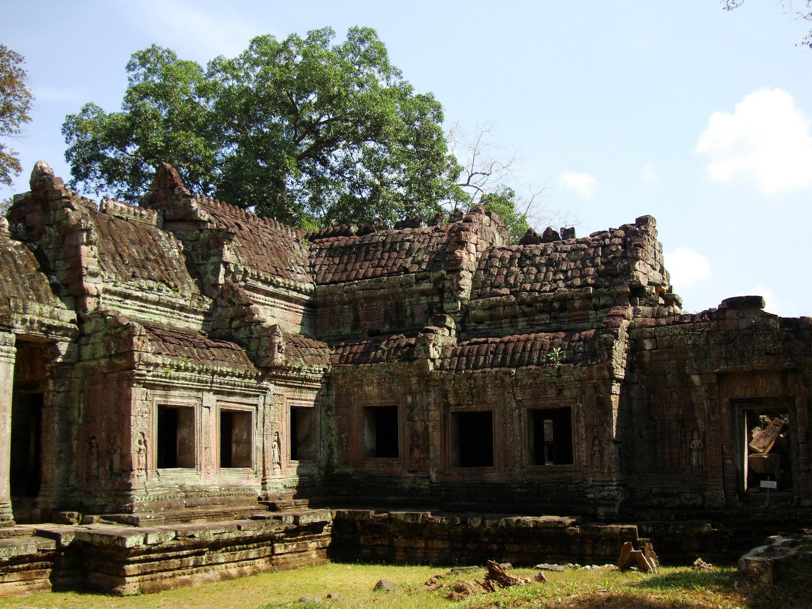 Preah Khan West entrance gopura to Vishnu temple Angkor Thom 06