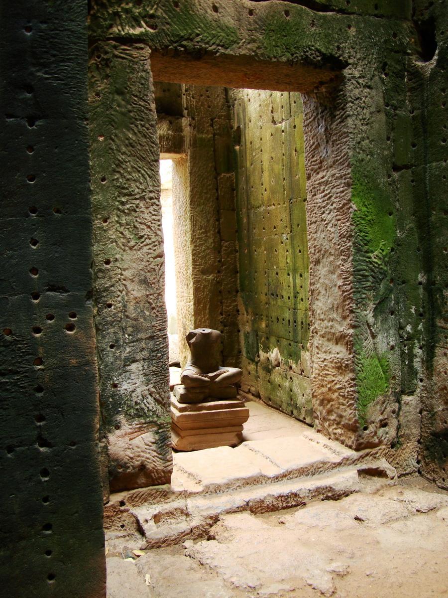 Preah Khan sanctuary headless Buddha Preah Vihear province 02