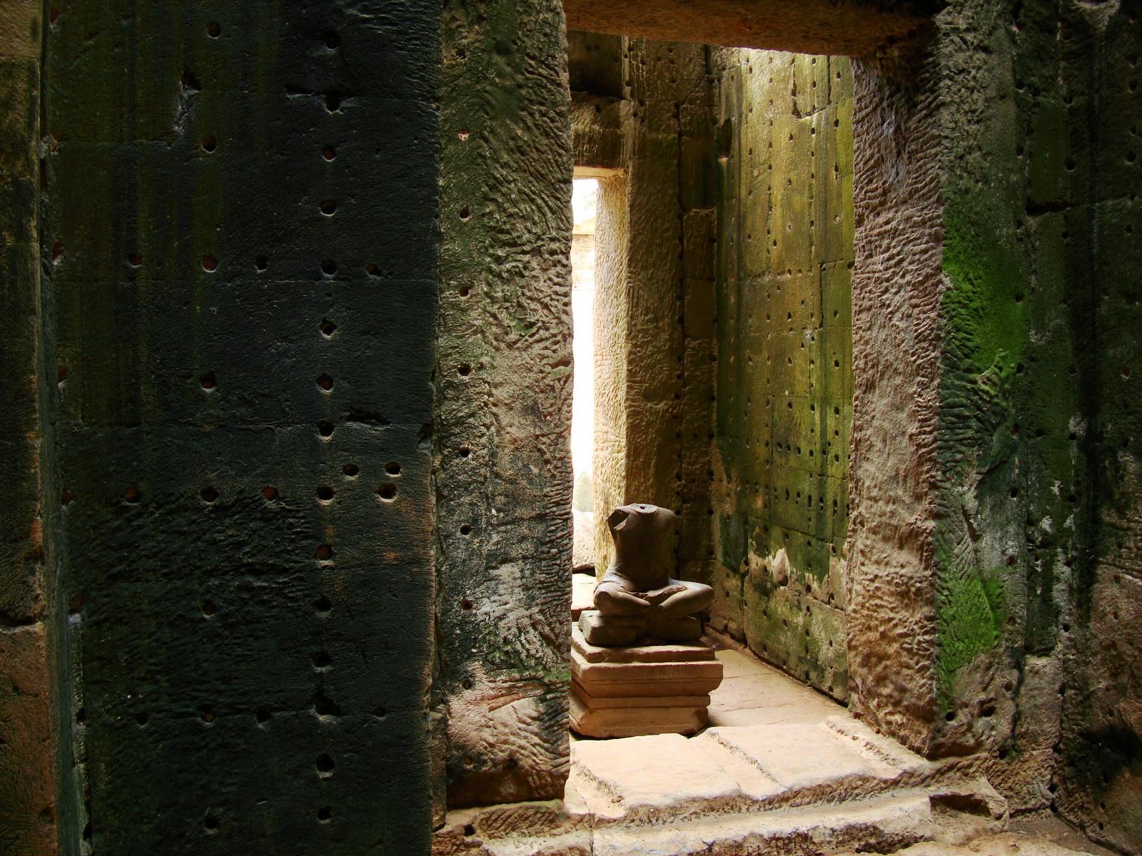 Preah Khan sanctuary headless Buddha Preah Vihear province 03