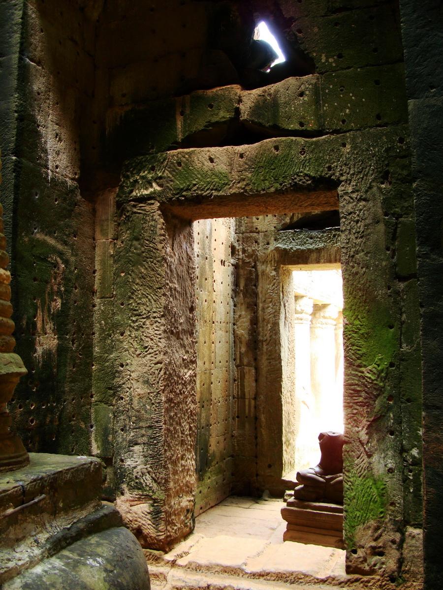 Preah Khan sanctuary headless Buddha Preah Vihear province 04