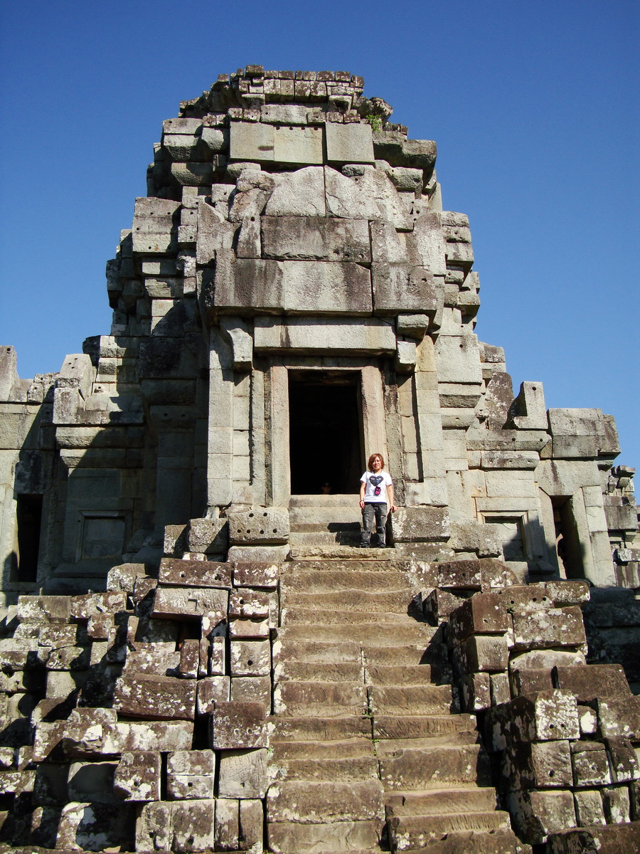 Facing East Ta Keo Temple mountain main tower stairs Angkor 01