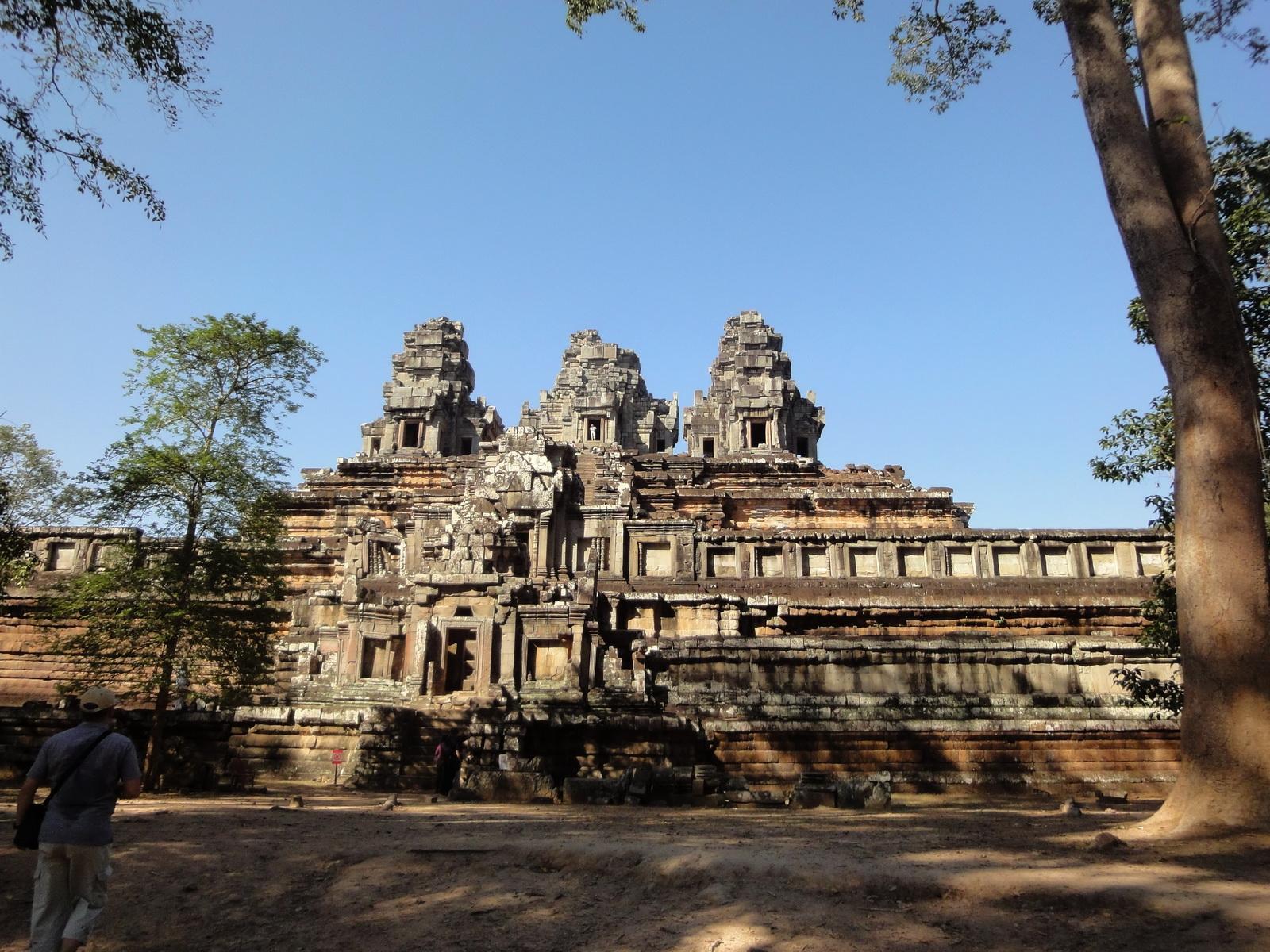 Facing North Ta Keo Temple mountain south gopura entrance Angkor 01