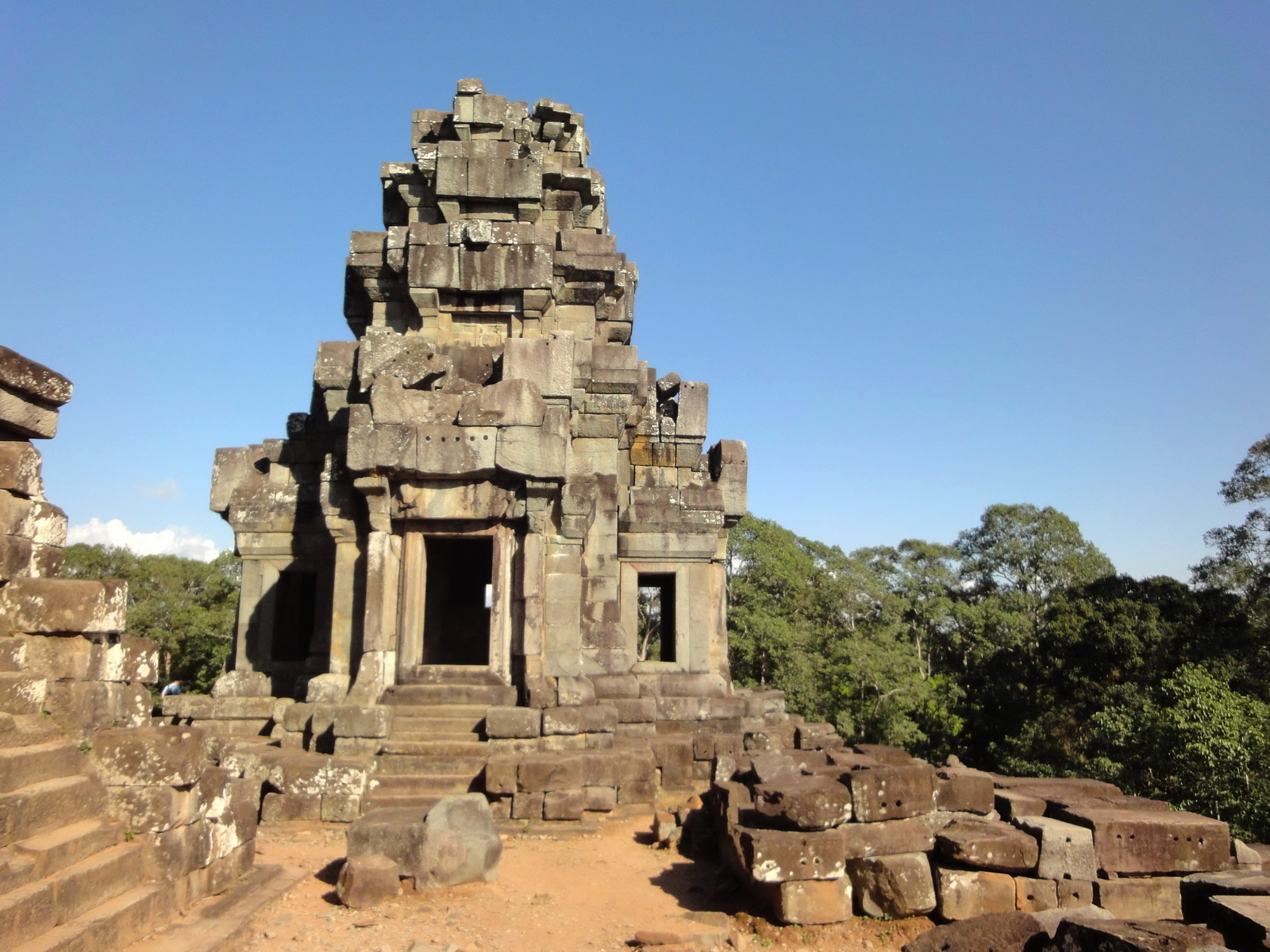 Ta Keo Temple mountain upper terrace SE tower Angkor 02