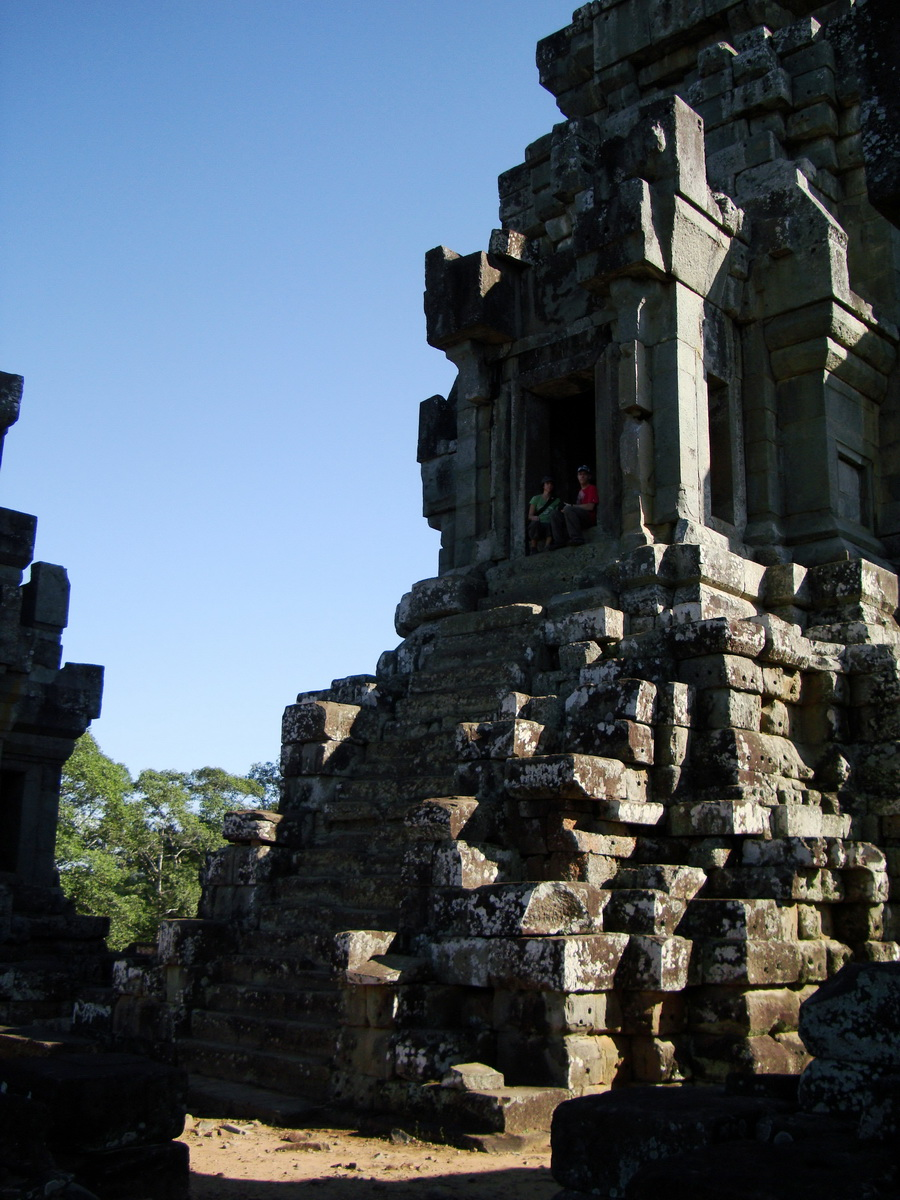 Ta Keo Temple mountain upper terrace central tower Angkor 02