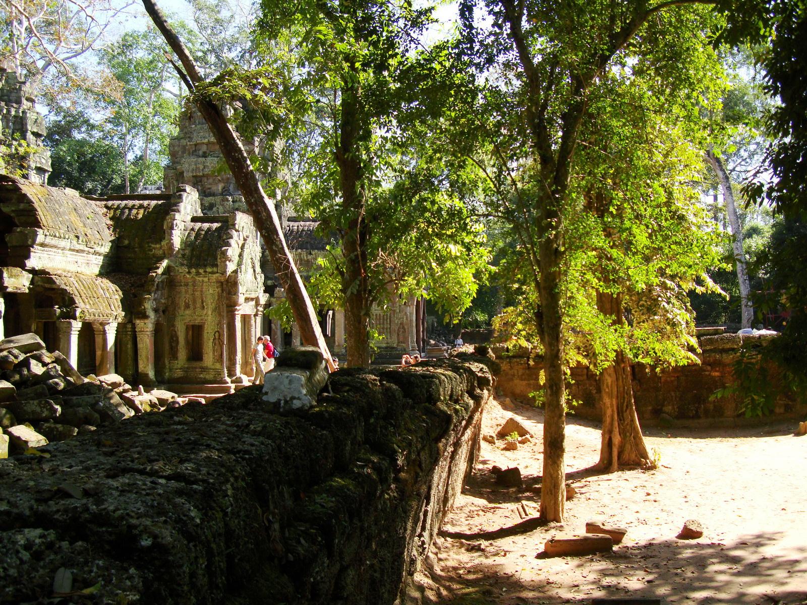 Ta Prohm Temple Rajavihara Tomb Raider W 4 Gopura area 03