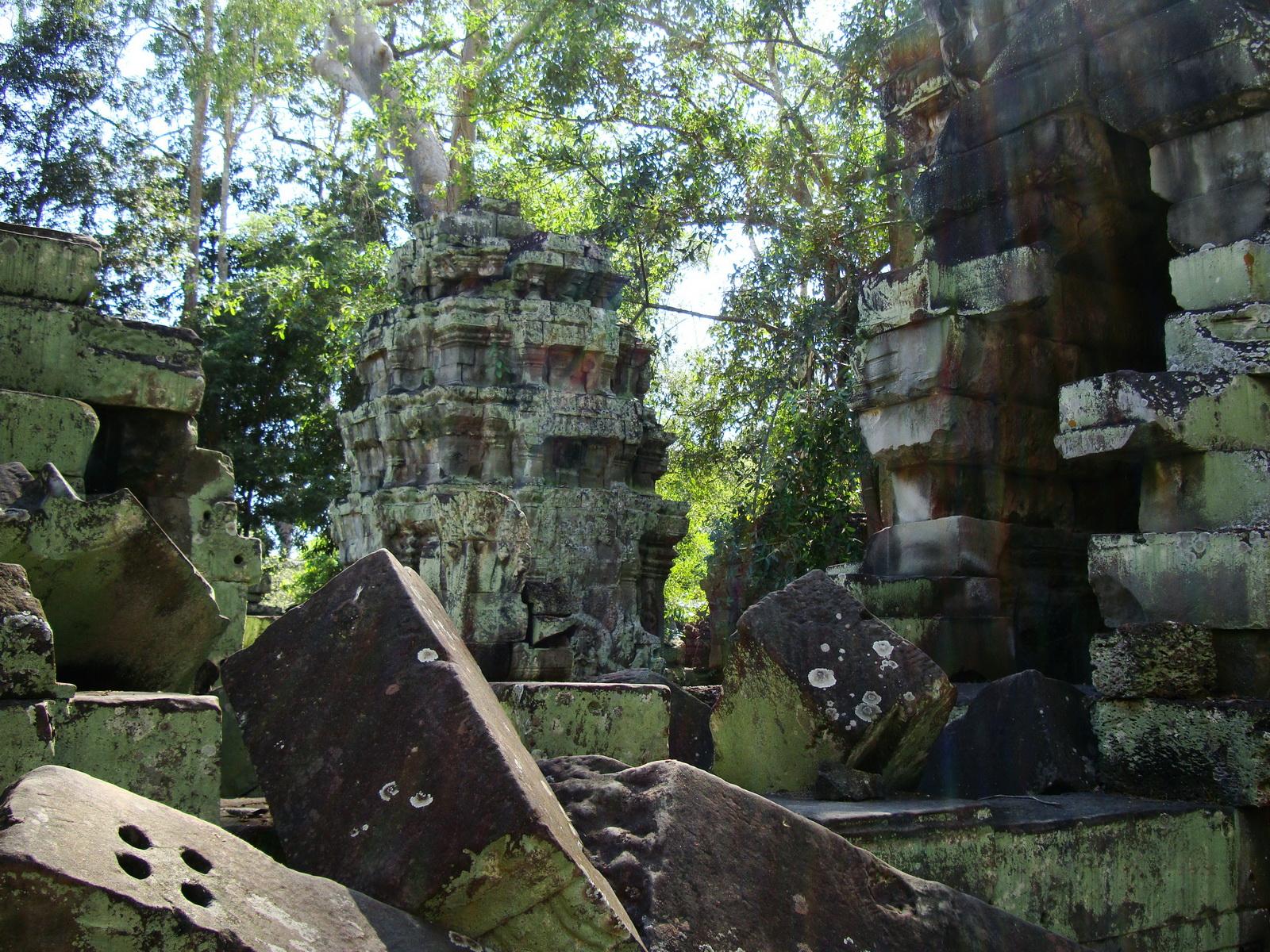 Ta Prohm Temple Rajavihara Tomb Raider fallen masonry 08