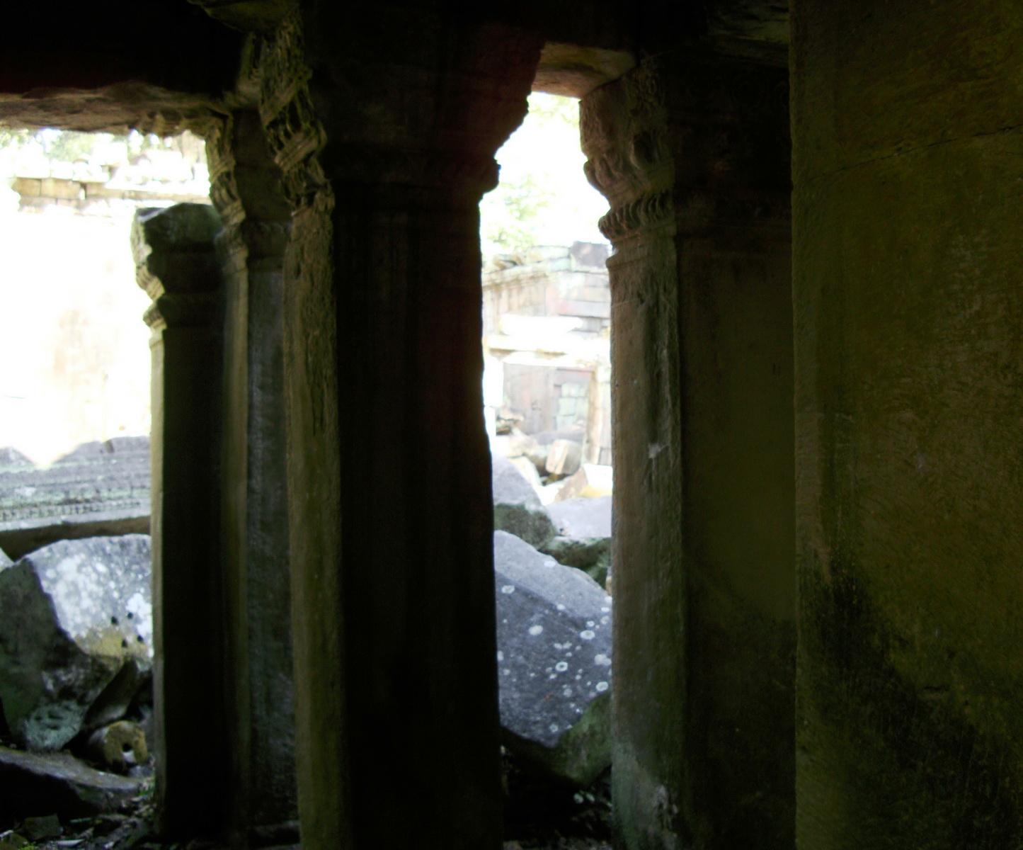 Ta Prohm Temple Rajavihara Tomb Raider fallen masonry 12
