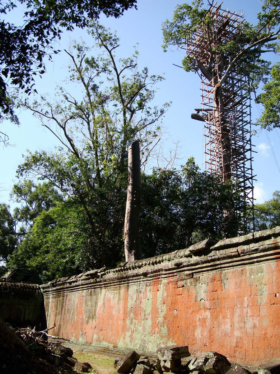 Ta Prohm Temple Rajavihara Tomb Raider inner laterite walls 02