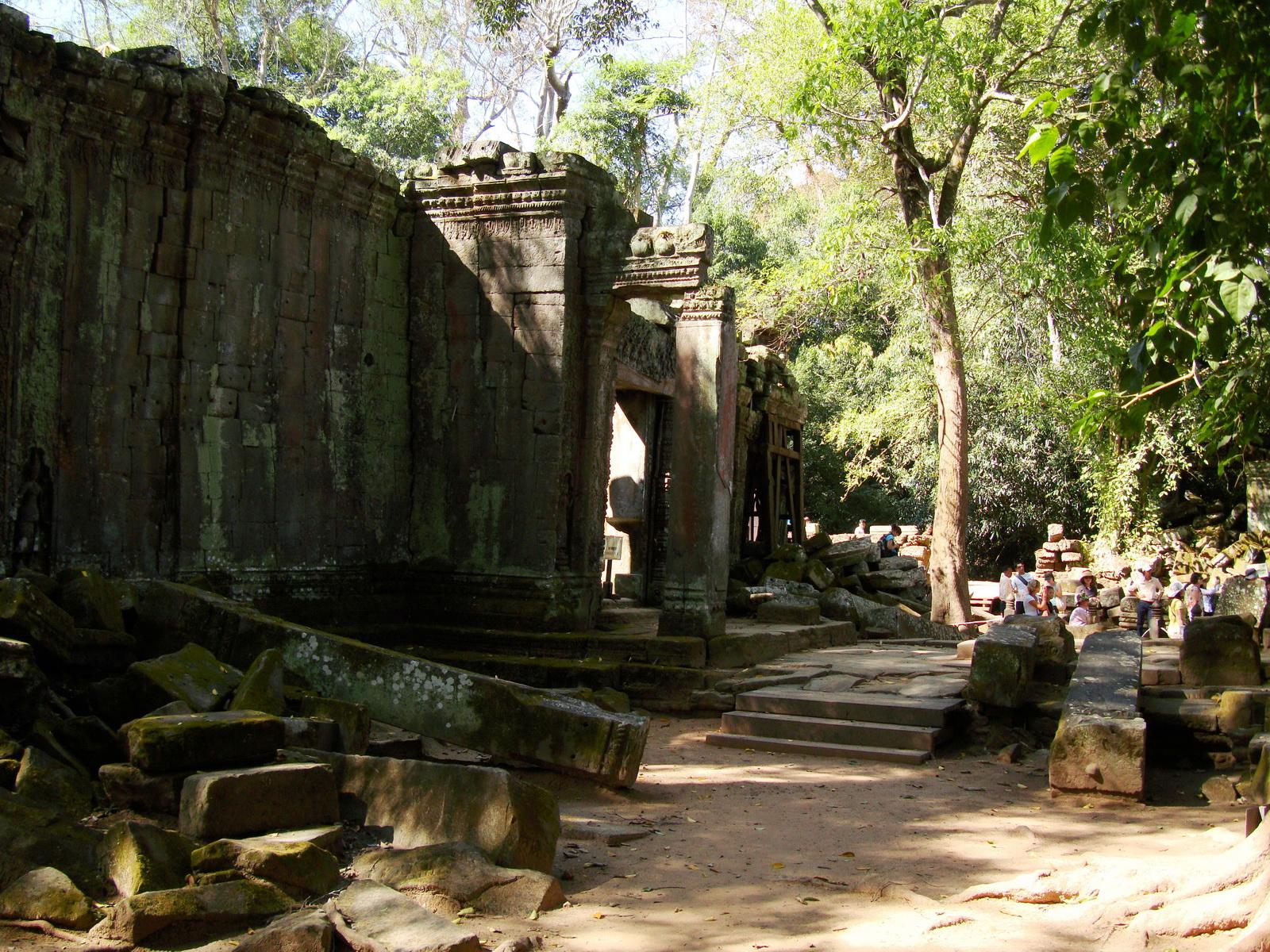 Ta Prohm Temple Rajavihara Tomb Raider third enclosure area 03