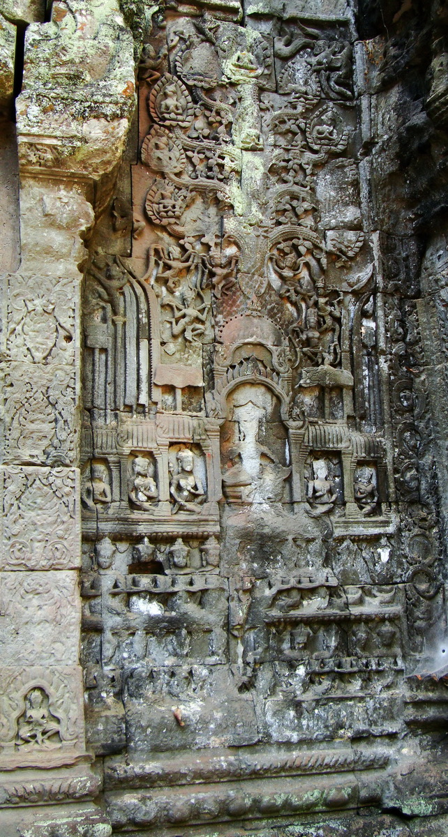 Ta Prohm Tomb Raider Bayon architecture Gopura 4 East entrance 11
