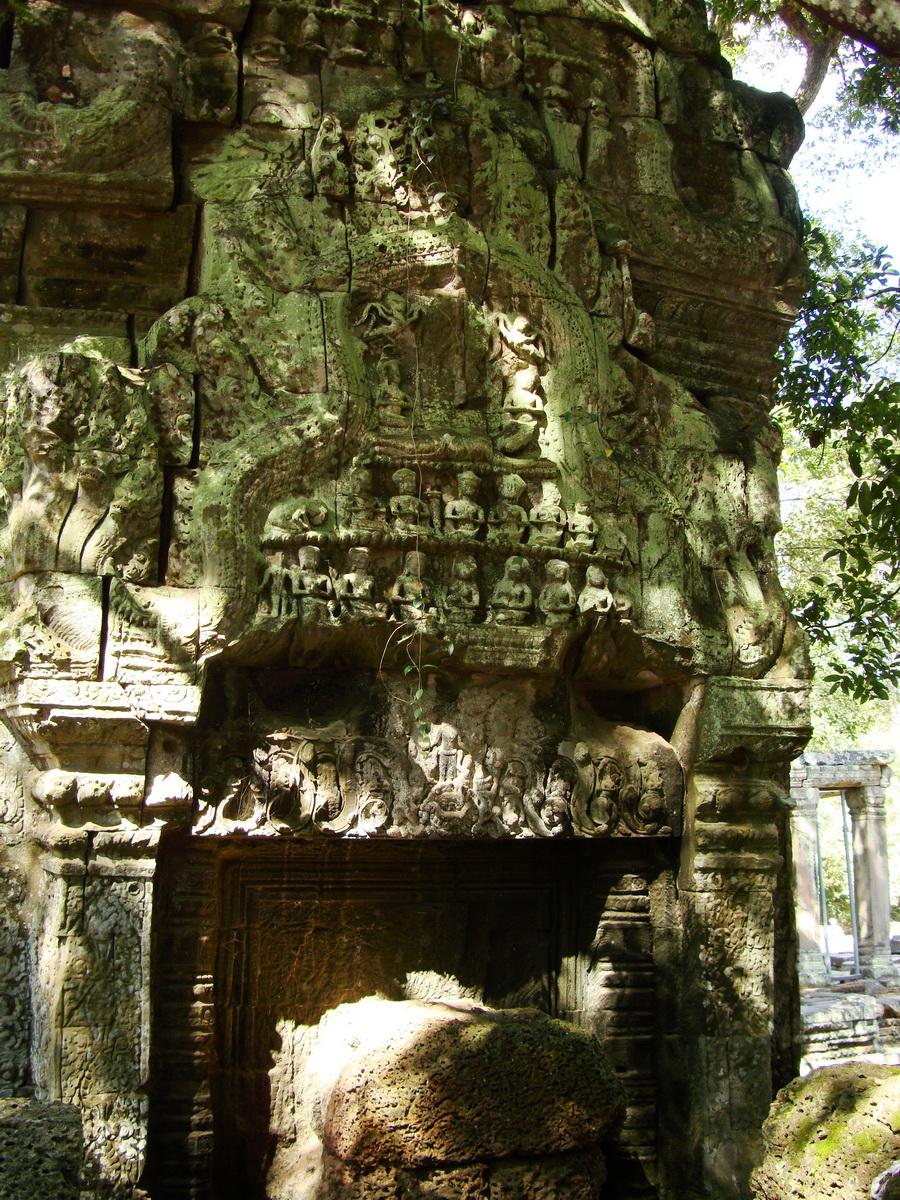 Ta Prohm Tomb Raider Bayon architecture Gopura 4 East entrance 12