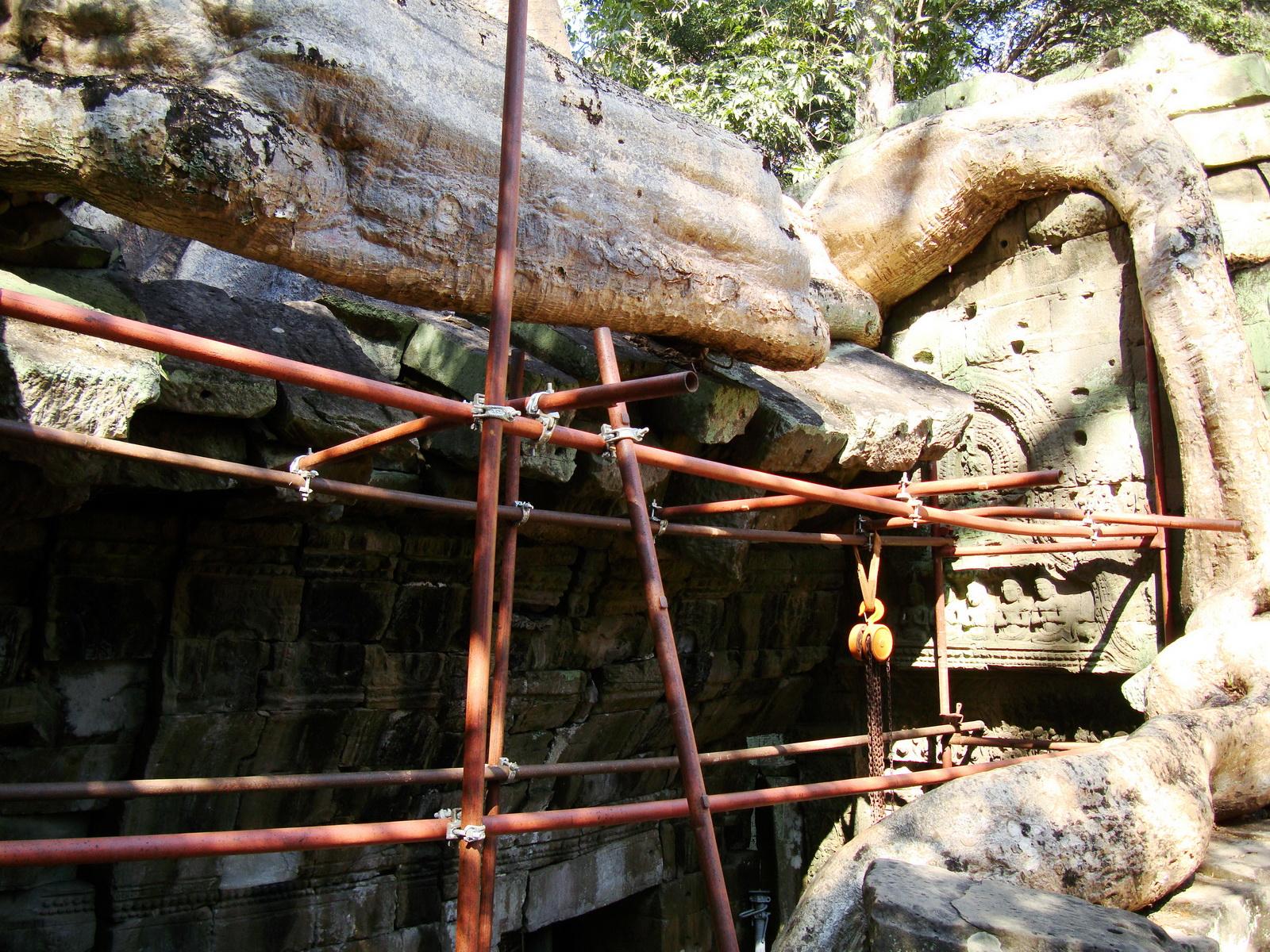 Ta Prohm Tomb Raider Bayon architecture central sanctuary area 17