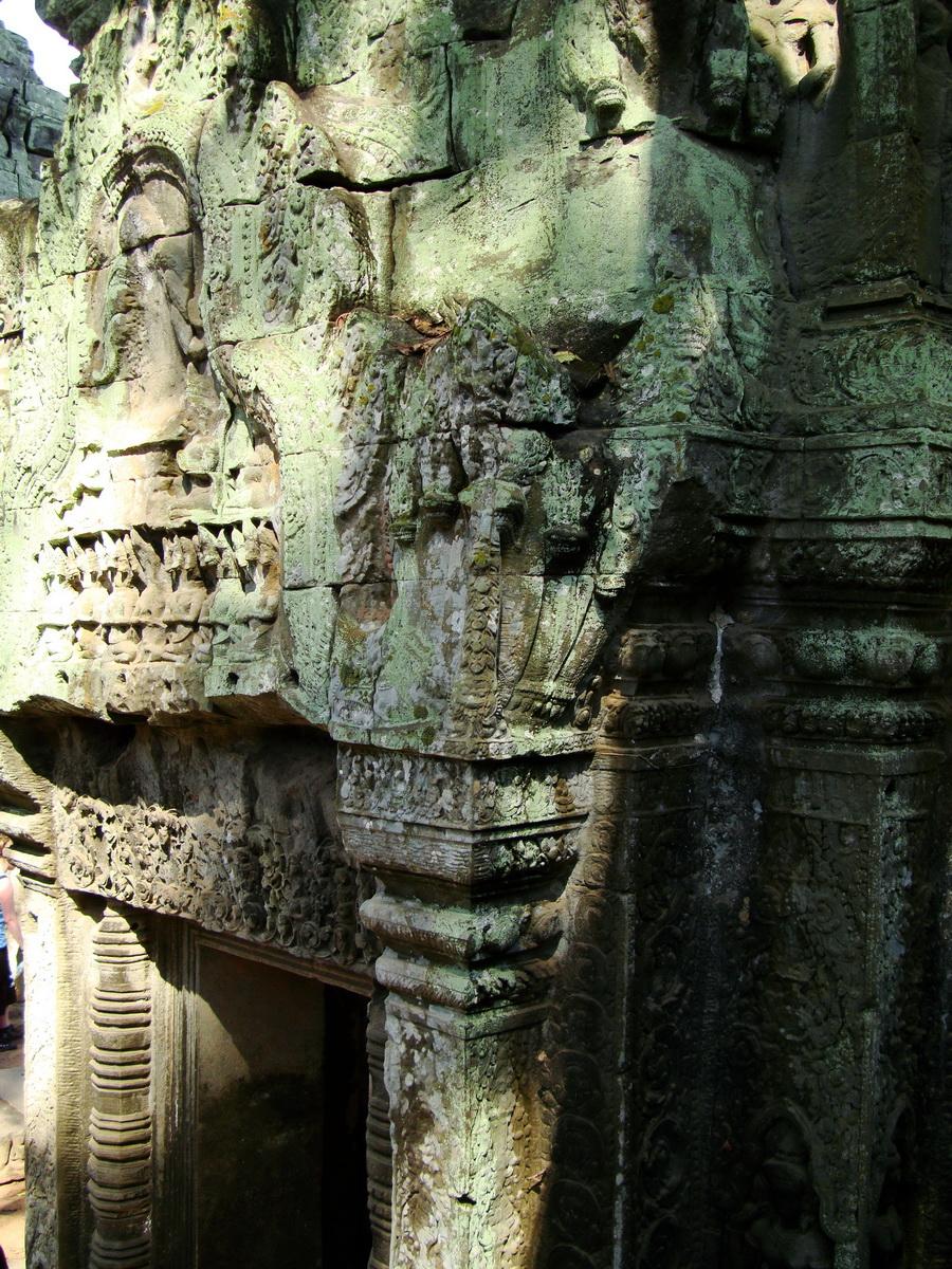 Ta Prohm Tomb Raider Bayon architecture central sanctuary area 20