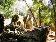Asisbiz Ta Prohm Temple Rajavihara Tomb Raider W 4 Gopura area 02