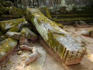 Asisbiz Ta Prohm Temple Rajavihara Tomb Raider fallen masonry 02