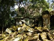 Asisbiz Ta Prohm Temple Rajavihara Tomb Raider fallen masonry 04