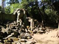 Asisbiz Ta Prohm Temple Rajavihara Tomb Raider fallen masonry 05