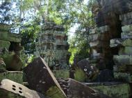 Asisbiz Ta Prohm Temple Rajavihara Tomb Raider fallen masonry 08