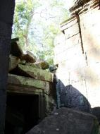 Asisbiz Ta Prohm Temple Rajavihara Tomb Raider fallen masonry 11