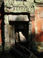 Asisbiz Ta Prohm Temple Rajavihara Tomb Raider inner laterite walls 04