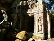 Asisbiz Ta Prohm Tomb Raider Bayon architecture Bas relief devatas 02