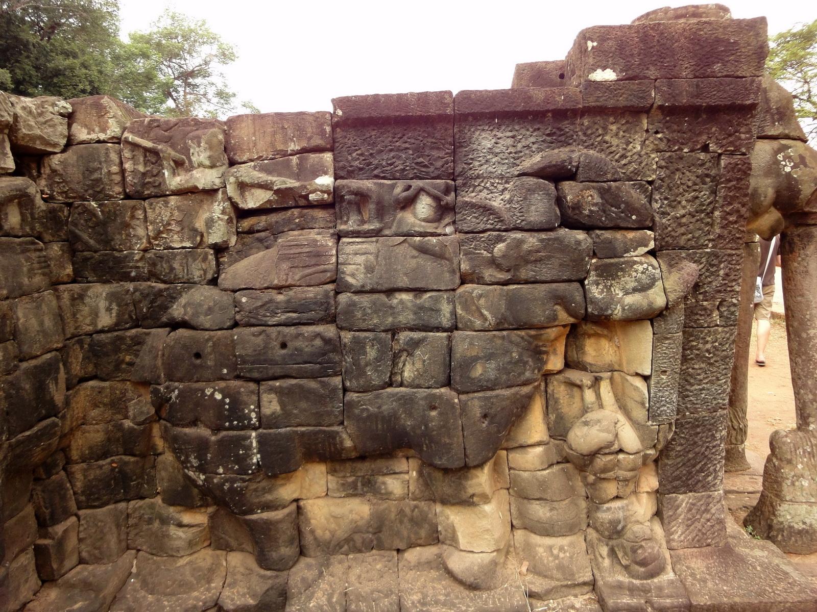 Terrace of the Elephants Bas reliefs hunting scenes 07