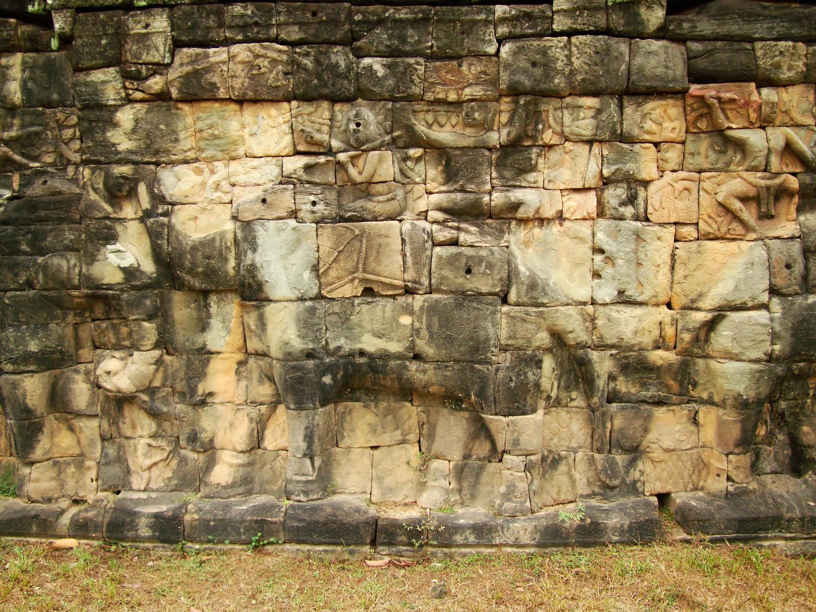 Terrace of the Elephants Bas reliefs hunting scenes 09