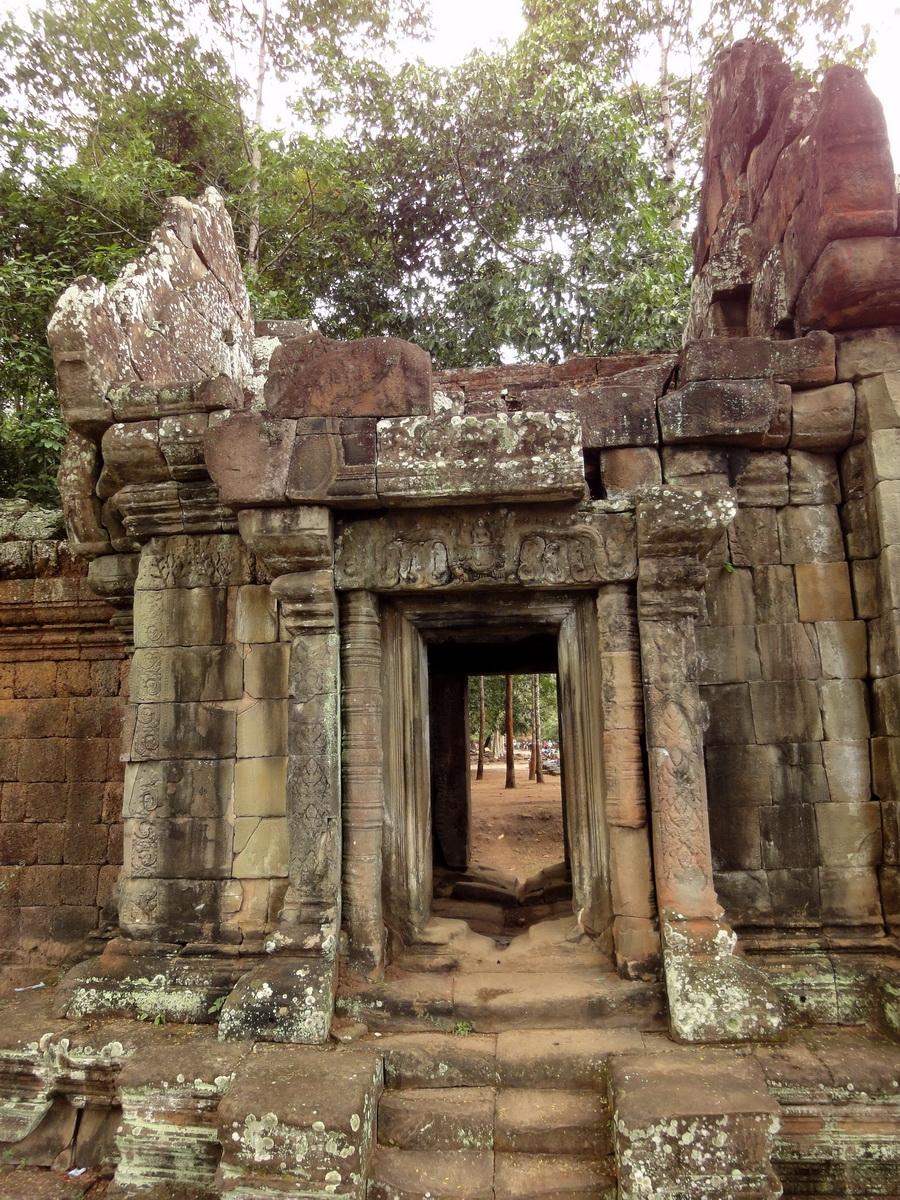 Terrace of the Elephants inner gate Angkor Thom 03