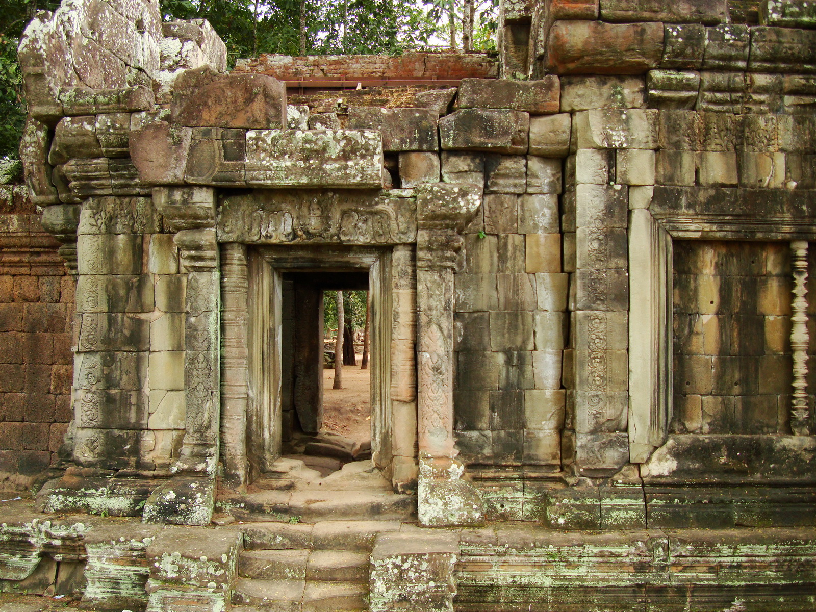 Terrace of the Elephants inner gate Angkor Thom 10
