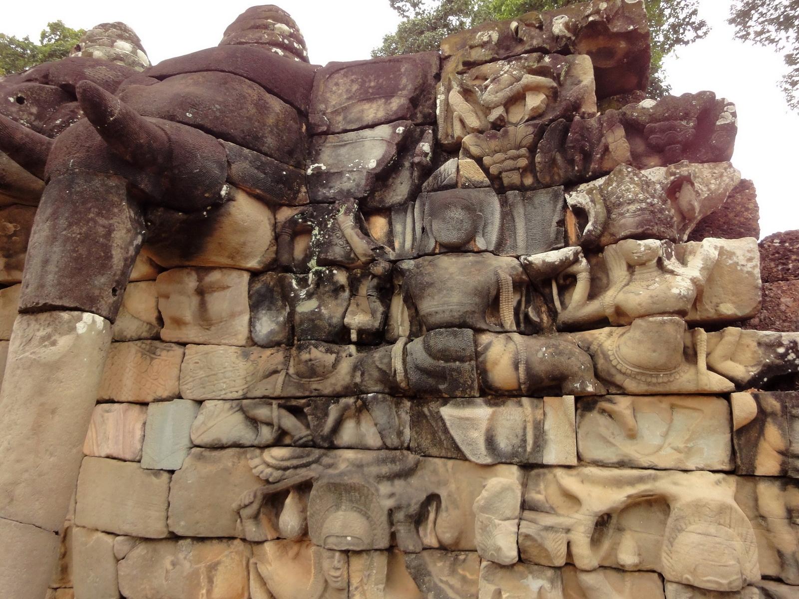 Terrace of the Elephants three elephants 03