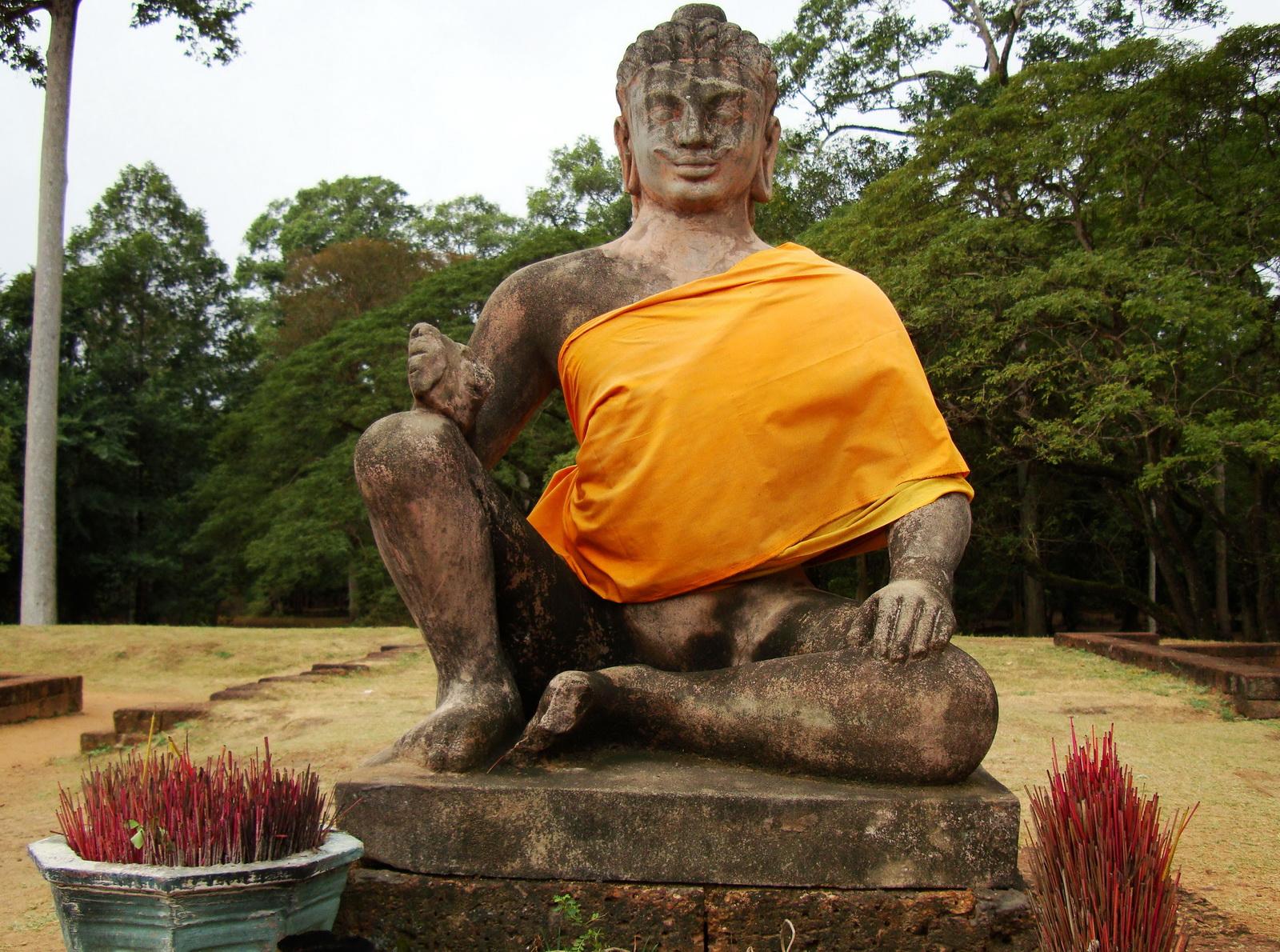 Leper King Terrace Buddha Angkor Thom 01