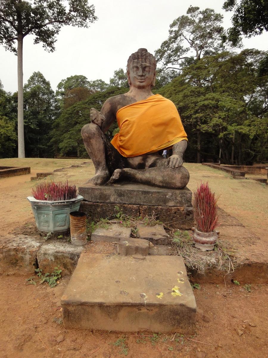 Leper King Terrace Buddha Angkor Thom 02