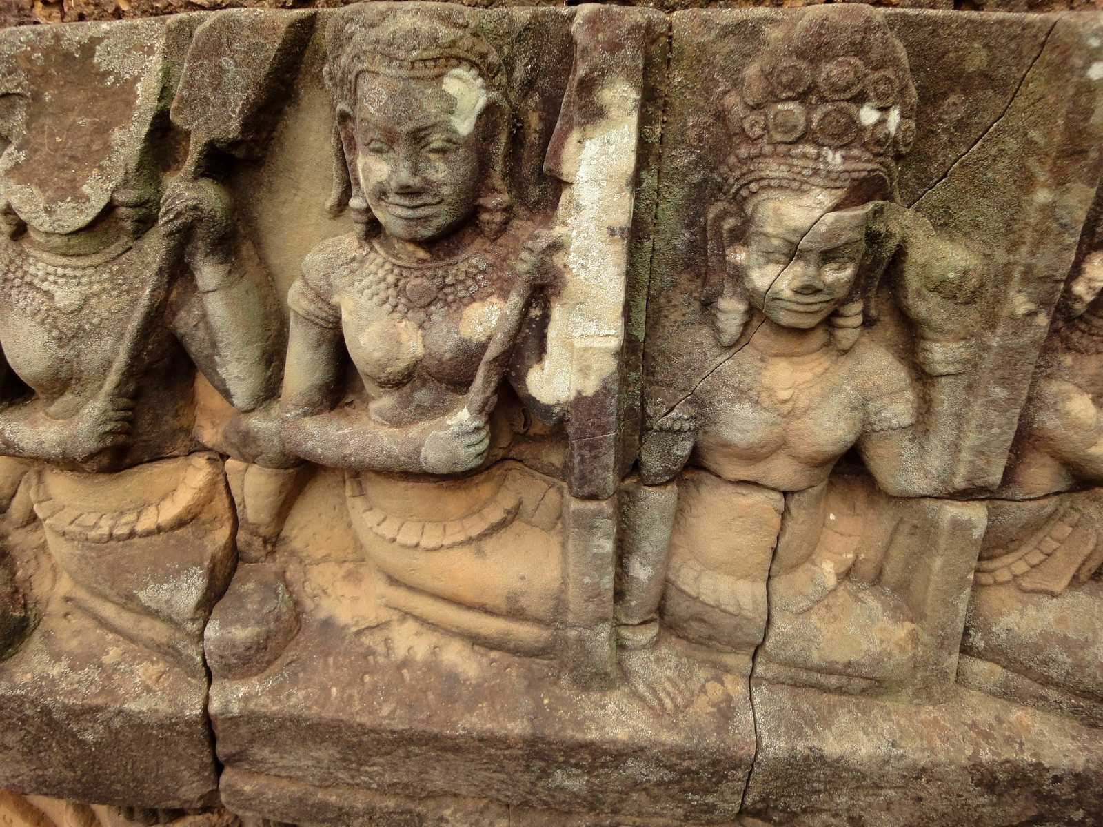 Leper King Terrace hidden wall underworld Nagas and deities 001