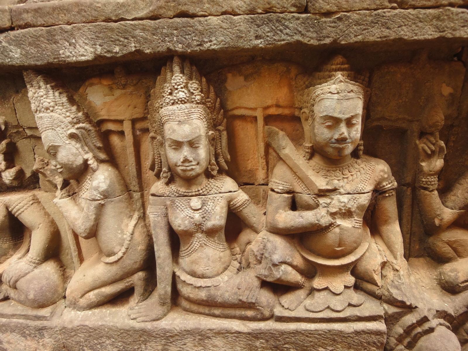 Leper King Terrace hidden wall underworld Nagas and deities 019