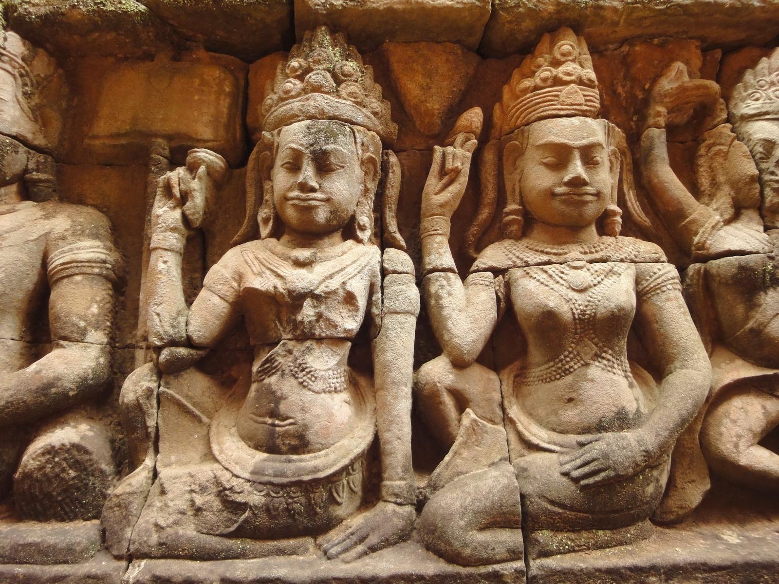 Leper King Terrace hidden wall underworld Nagas and deities 021