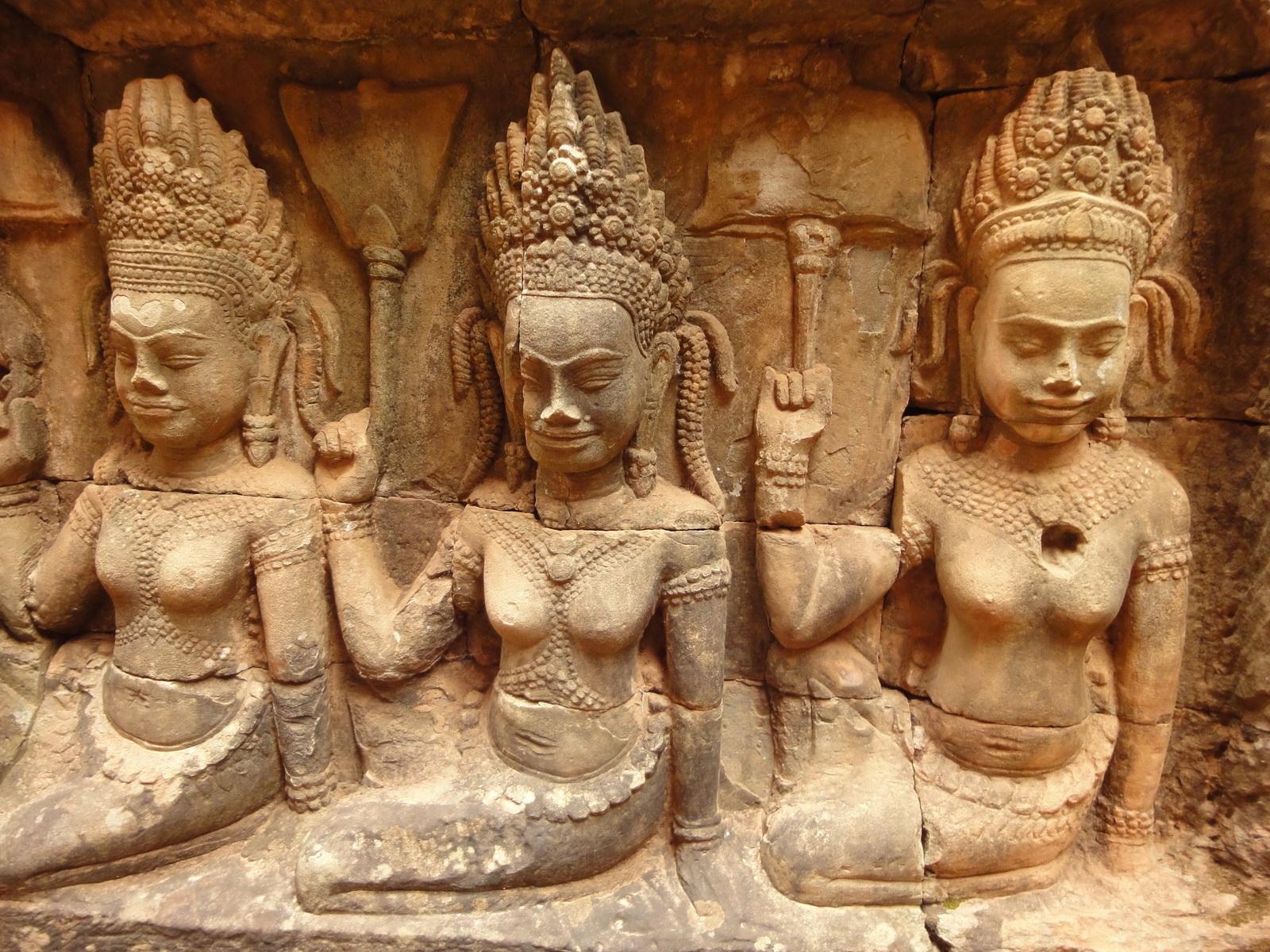 Leper King Terrace hidden wall underworld Nagas and deities 025