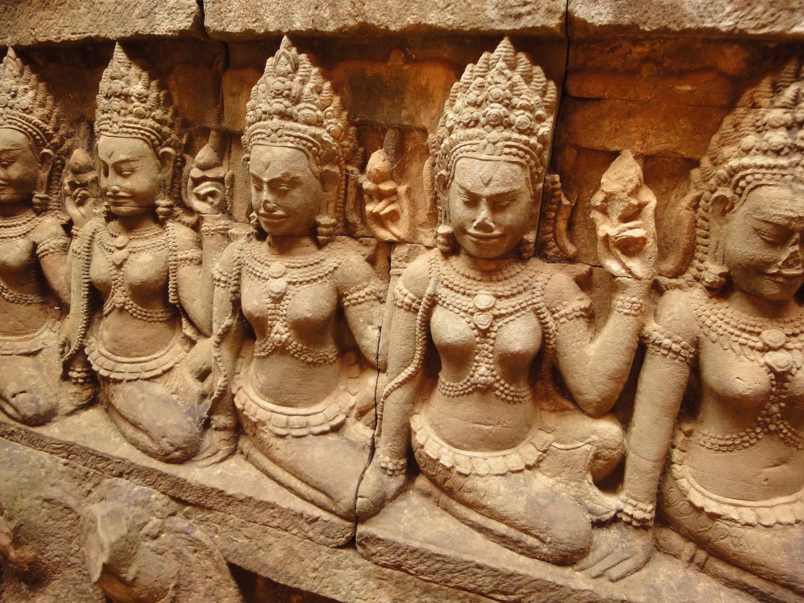 Leper King Terrace hidden wall underworld Nagas and deities 070