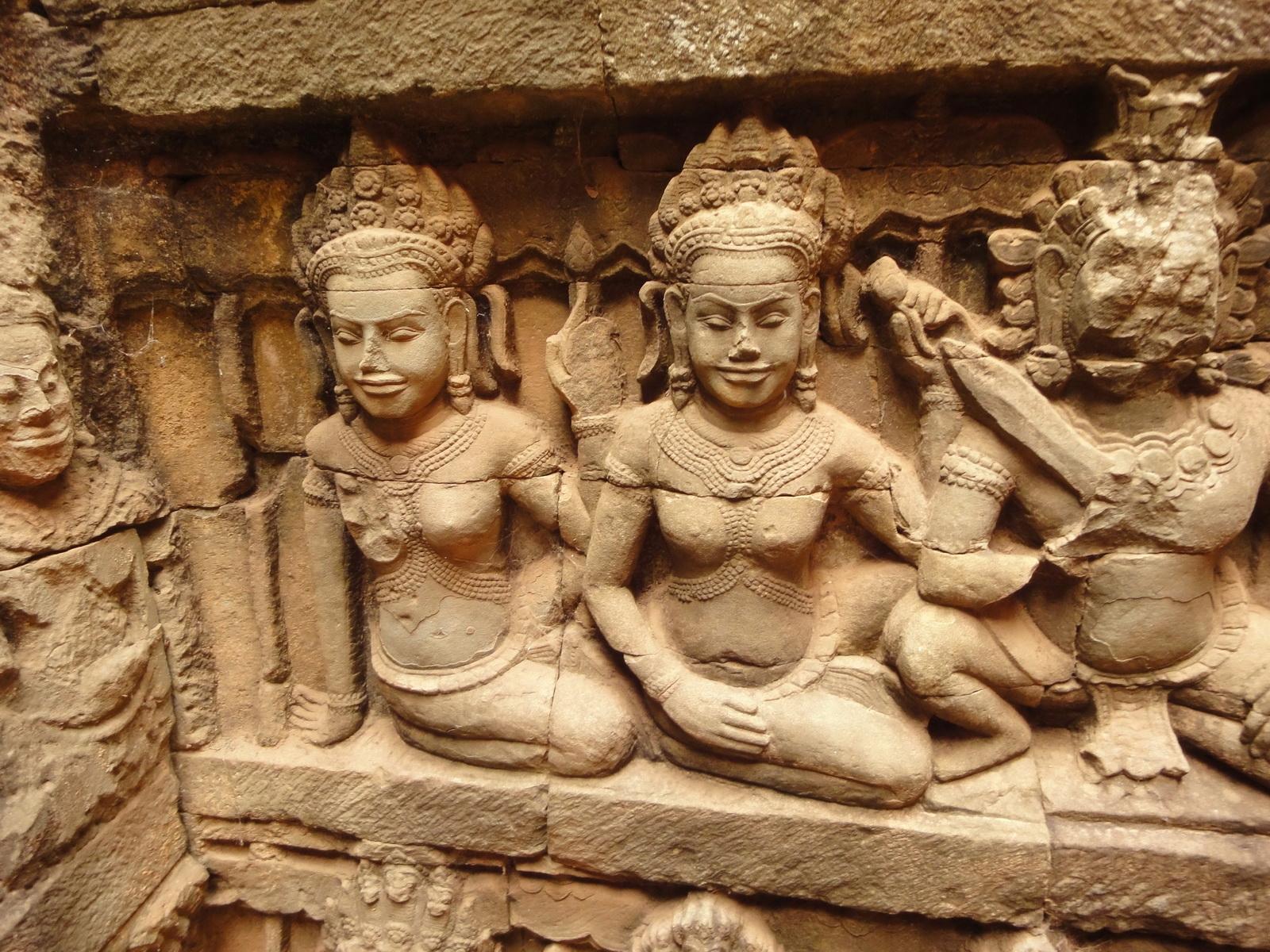 Leper King Terrace hidden wall underworld Nagas and deities 080