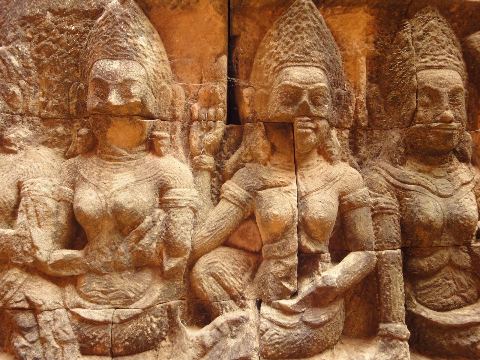 Leper King Terrace hidden wall underworld Nagas and deities 094
