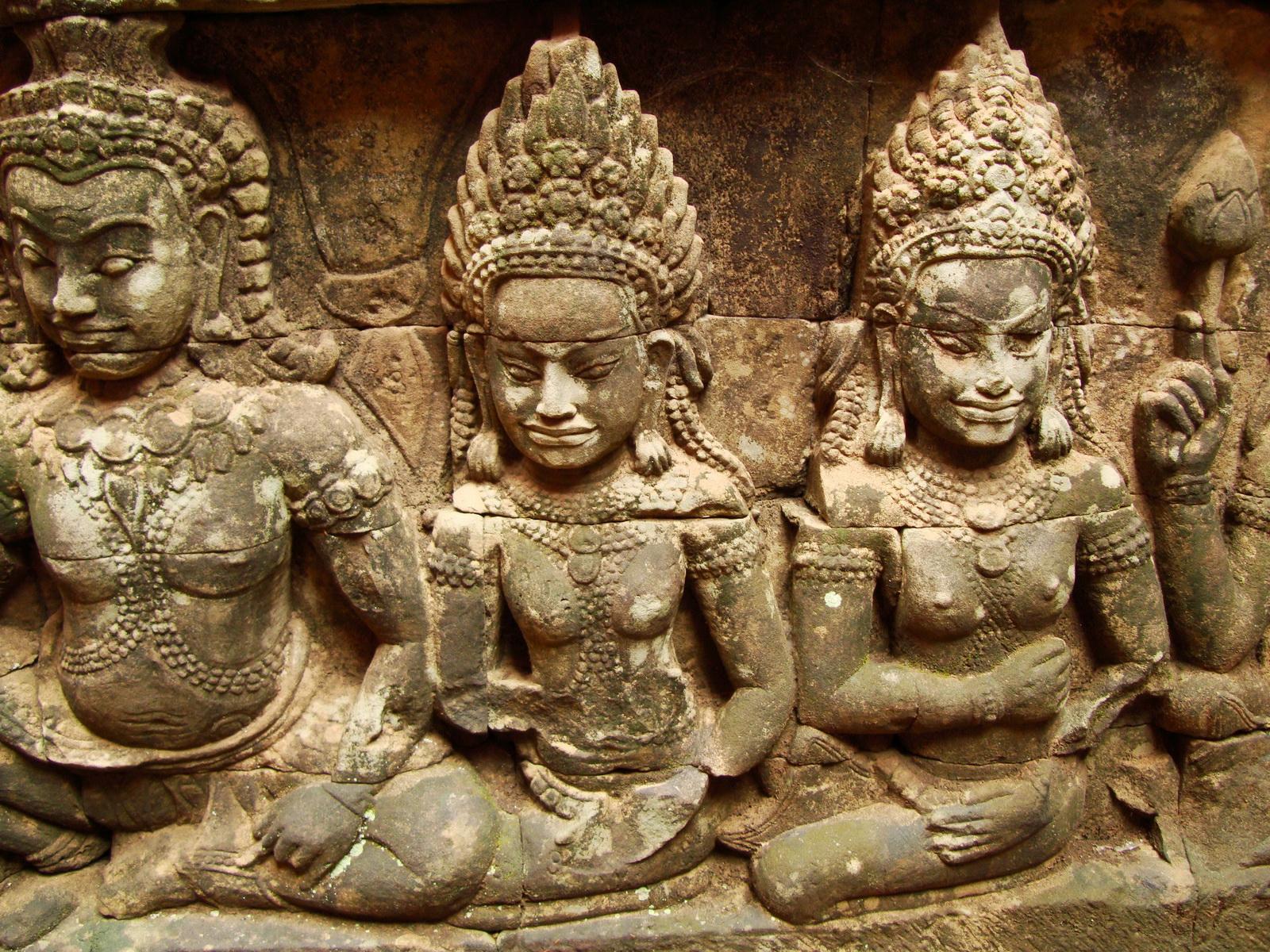 Leper King Terrace hidden wall underworld Nagas and deities 130