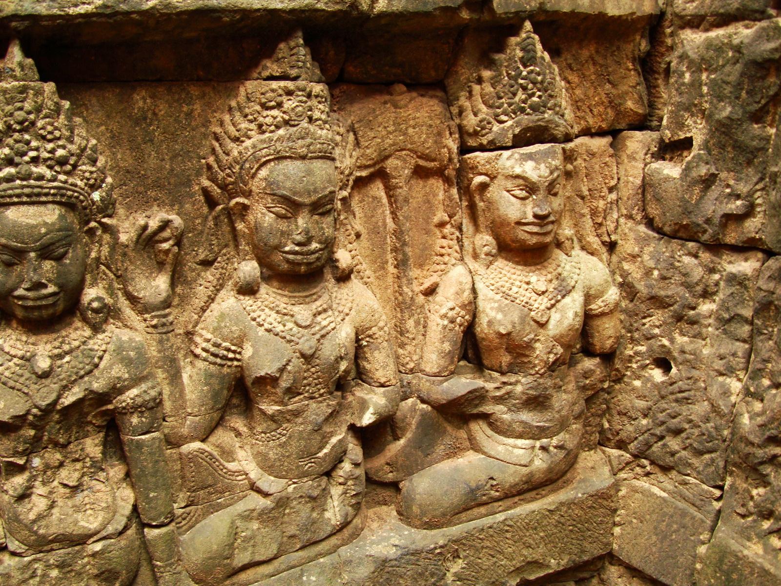 Leper King Terrace hidden wall underworld Nagas and deities 132