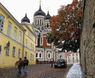 Asisbiz Alexander Nevsky Cathedral built around 1894 during autumn Tallinn Harju Estonia 01