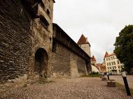 Asisbiz Guard tower and castle walls encasing the old medieval city of Tallinn Harju Estonia 02