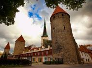 Asisbiz Guard tower and castle walls encasing the old medieval city of Tallinn Suurtuki area Estonia 01