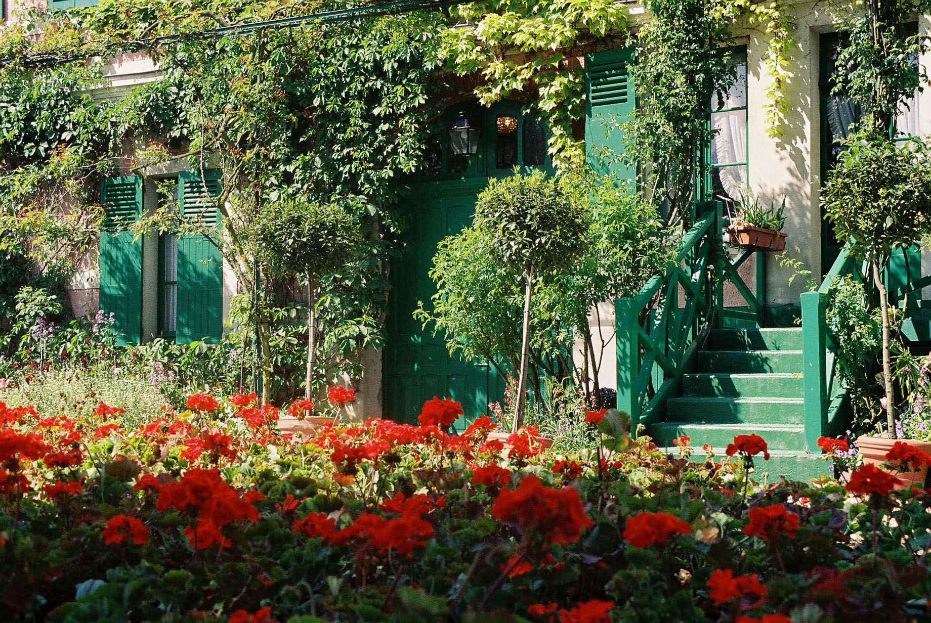 Travel To Claude Monet Home Or Chateau In Giverny France 07