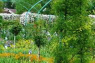 Asisbiz Travel to Claude Monet Chateau garden in Giverny France 06